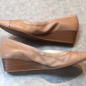 Cole Haan Shoes - Cole Haan tan leather flats